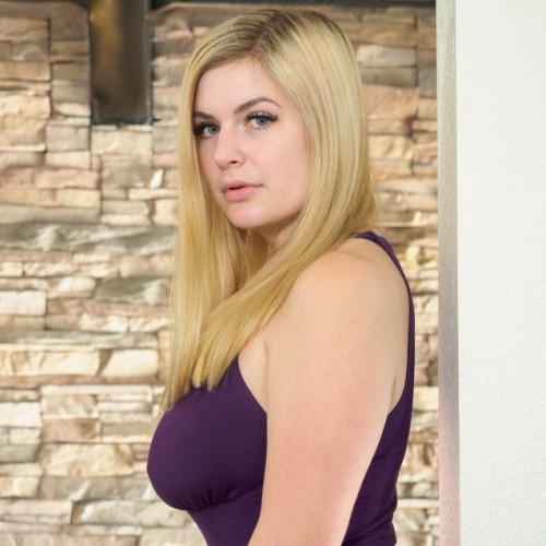 luluSingles: Dianna98 - Woman, 35 - Aurora, Illinois | Online Dating Site for Serious Singles